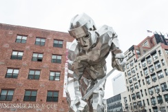 Hockey player statue on Championship Plaza
