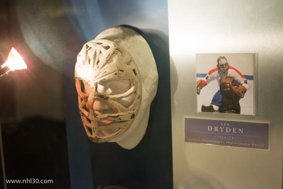 Early mask worn by Ken Dryden