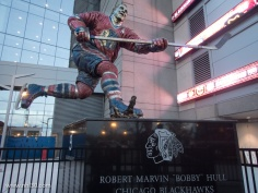 Bobby Hull statue right by Stan Mikita's